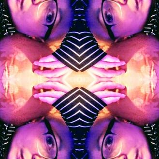 2055989316_mirror.jpg